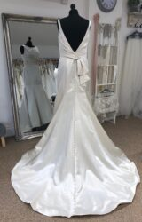 Alfred Angelo | Wedding Dress | Fit to Flare | LE382M