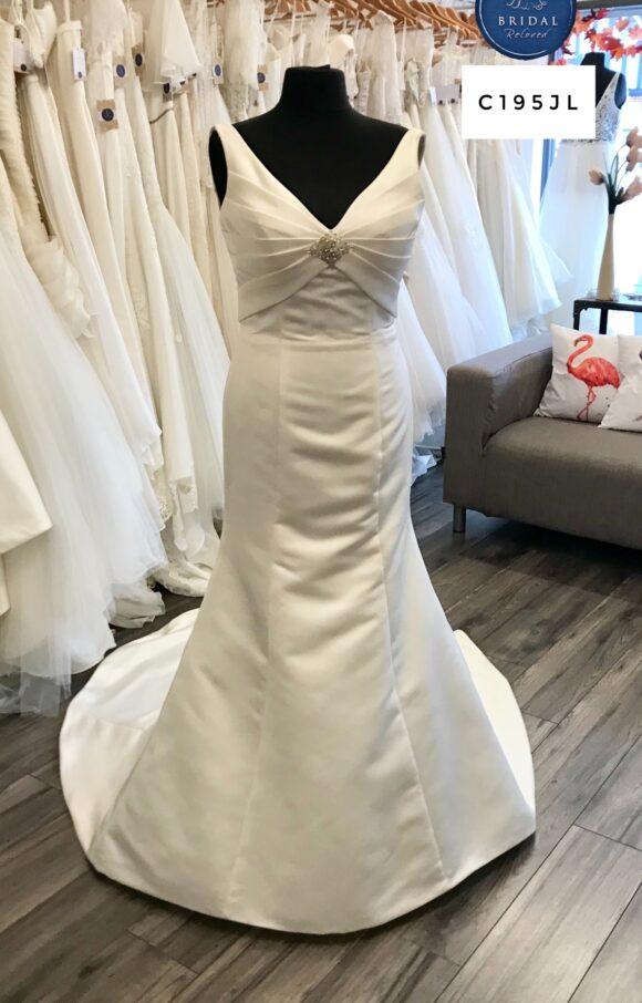 Benjamin Roberts | Wedding Dress | Fit to Flare | C195JL