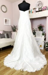 Enzoani | Wedding Dress | Fit to Flare | W950L
