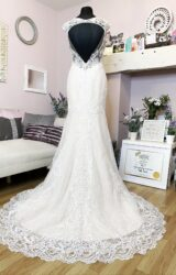 White Rose | Wedding Dress | Fit to Flare | W963L
