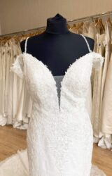 Nicole Spose | Wedding Dress | Fit to Flare | L438C