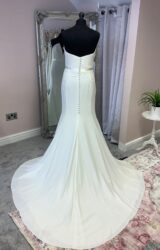 Suzanne Neville | Wedding Dress | Fit to Flare | SU121L