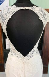 White Rose   Wedding Dress   Fit to Flare   SH171S