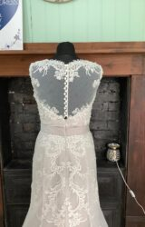 White Rose | Wedding Dress | Fit to Flare | SH186S