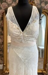 Terry Fox | Wedding Dress | Column | WN16