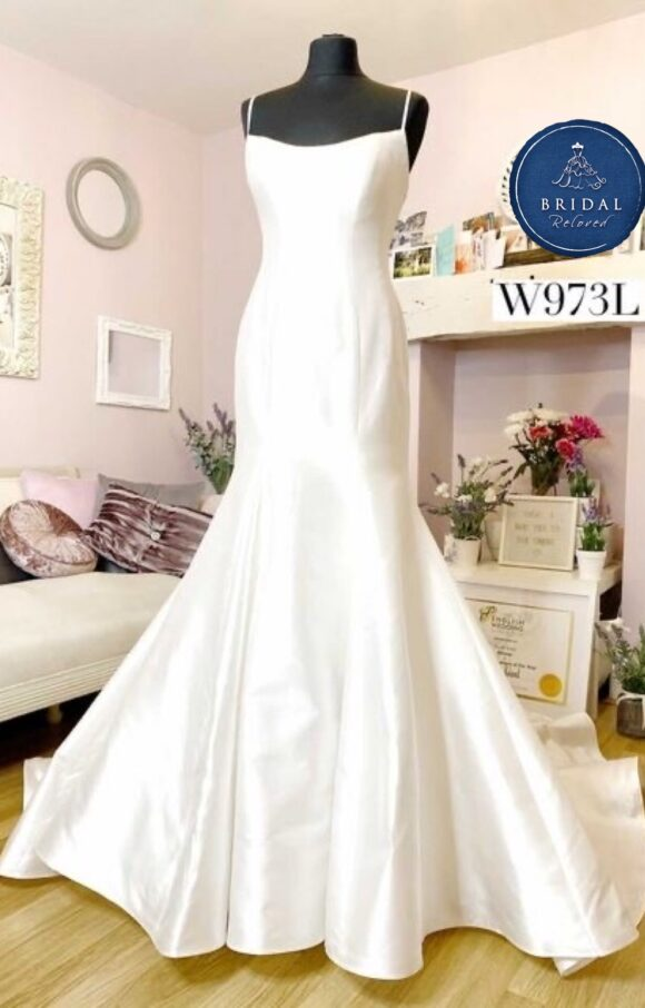 Sassi Holford | Wedding Dress | Fit to Flare | W973L