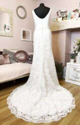 White Rose | Wedding Dress | Fit to Flare | W988L