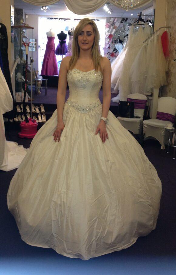 Hollywood Dreams | Wedding Dress | Princess | C2091