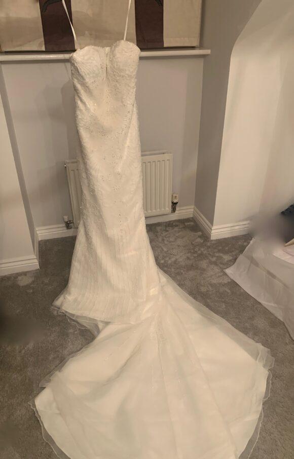Justin Alexander | Wedding Dress | Fit to Flare | C2085
