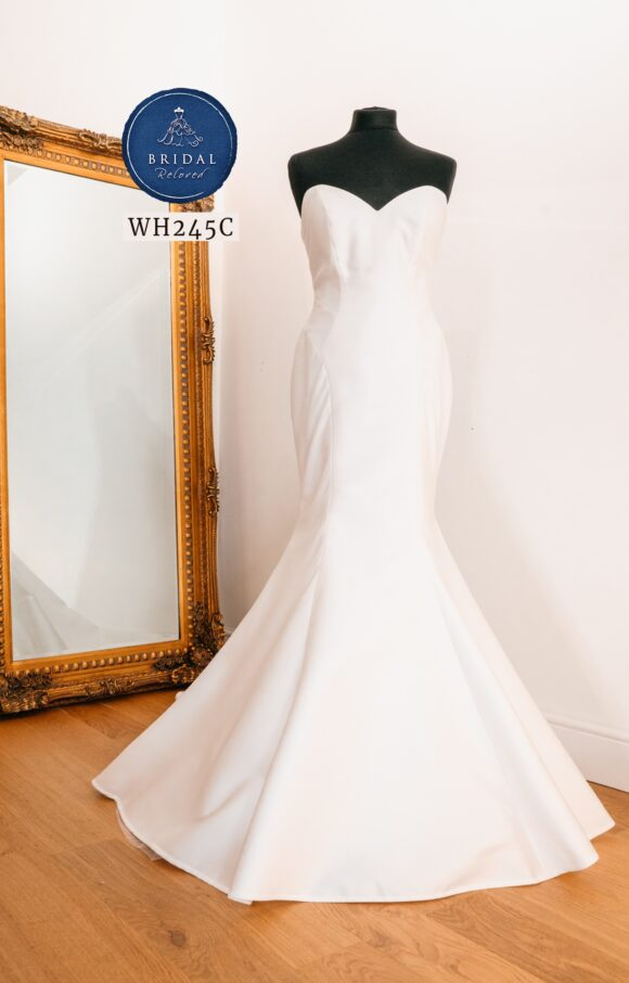 Sassi Holford   Wedding Dress   Fit to Flare   WH245C
