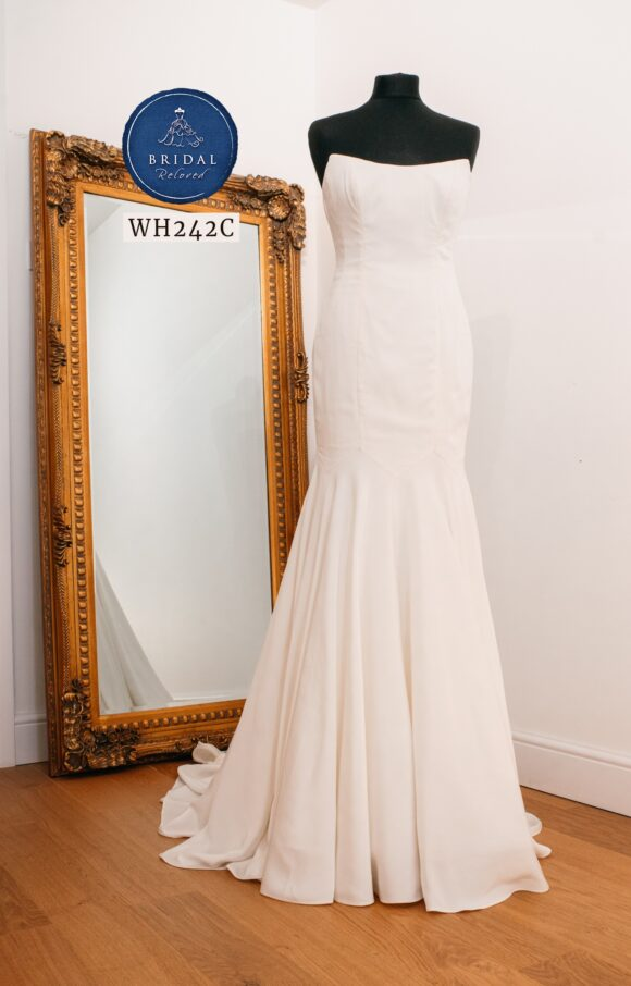 Sassi Holford | Wedding Dress | Fit to Flare | WH242C