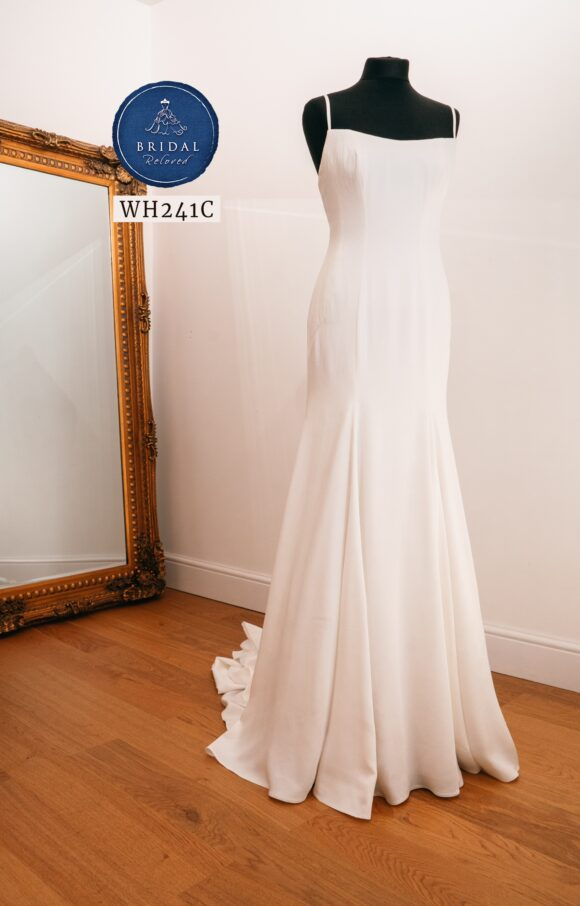 Sassi Holford | Wedding Dress | Fit to Flare | WH241C