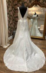 Berketex | Wedding Dress | Fit to Flare | WN19D
