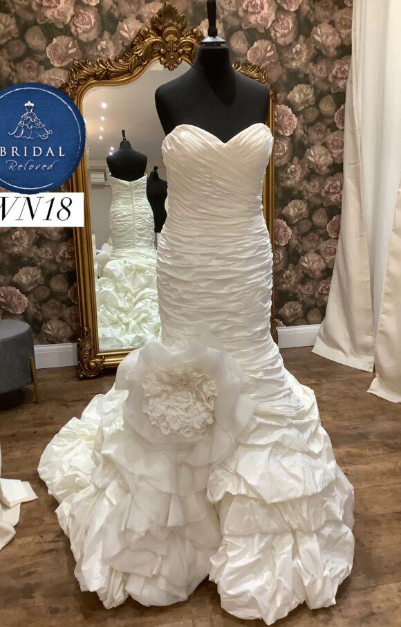 Ian Stuart   Wedding Dress   Fishtail   WN18