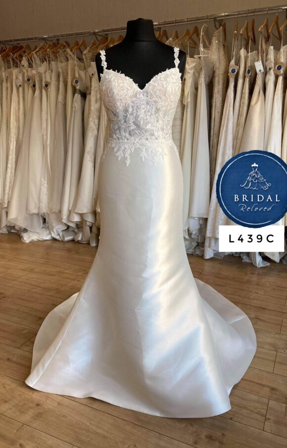 Nicole Spose | Wedding Dress | Fit to Flare | L439C