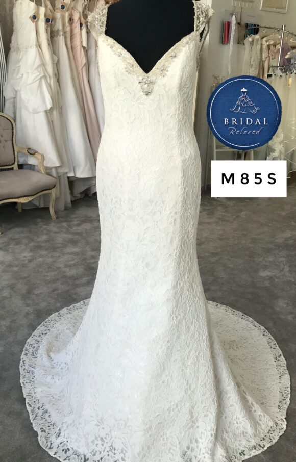 Alfred Angelo | Wedding Dress | Fit to Flare | M85S