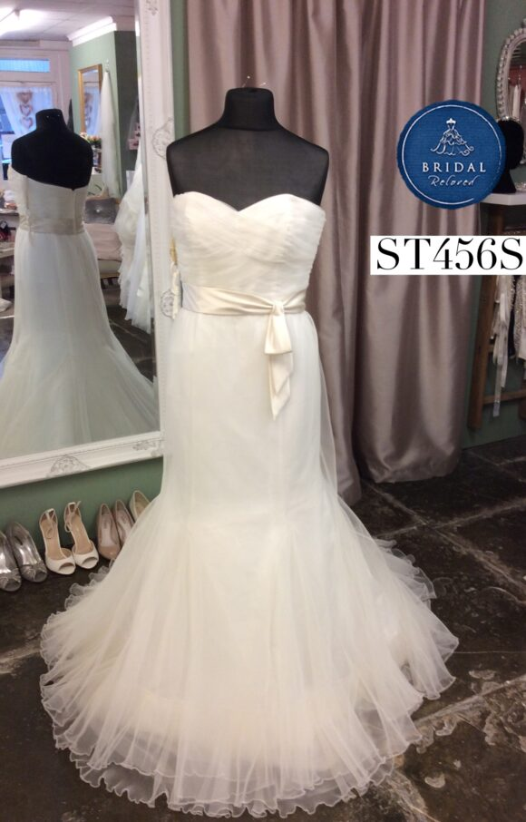 Forever Yours | Wedding Dress | Fit to Flare | ST456S