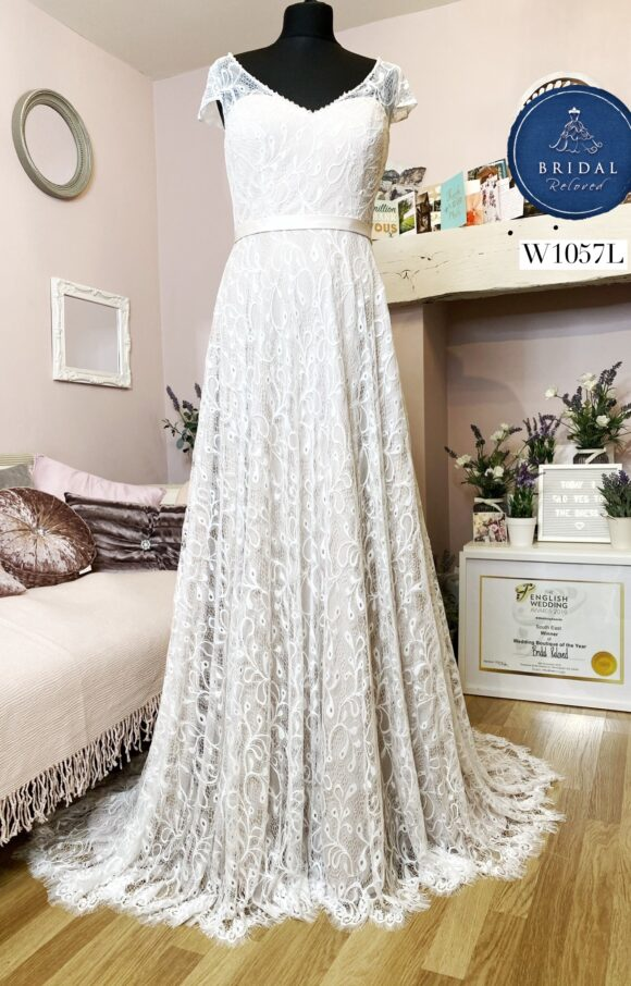 Millie May | Wedding Dress | Fit to Flare | W1057L
