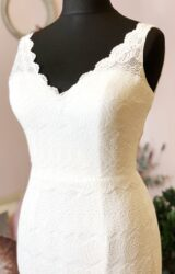 White Rose | Wedding Dress | Fit to Flare | W1009L