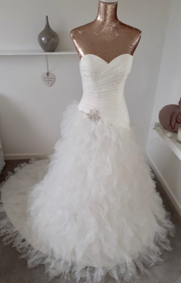 Berketex | Wedding Dress | Fit to Flare | C2255