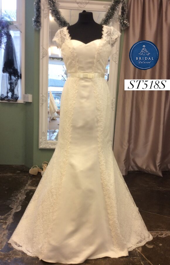 Sassi Holford   Wedding Dress   Fit to Flare   ST518S