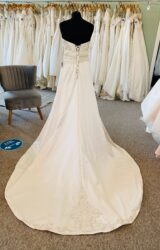 Essense of Australia | Wedding Dress | Fit to Flare | D1138K