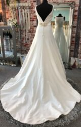 Sassi Holford | Wedding Dress | Fit to Flare | CA231G