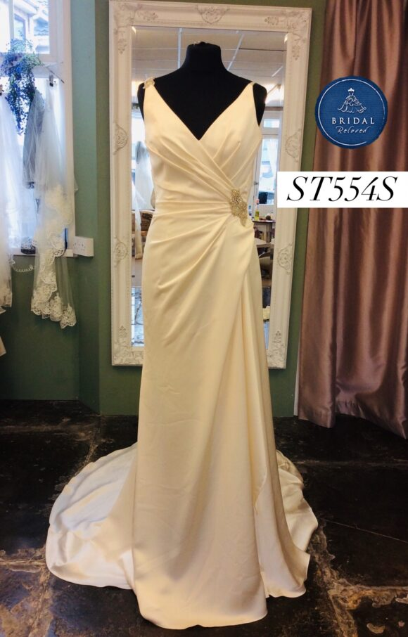 Enzoani | Wedding Dress | Fit to Flare | ST554S