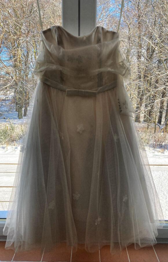 Lou Lou   Wedding Dress   Tea Length   C2507