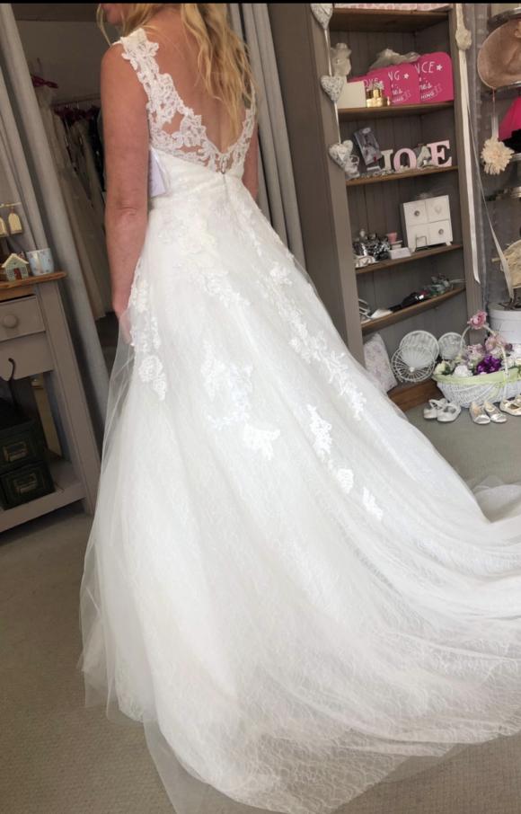 Enzoani | Wedding Dress | Aline | C2137