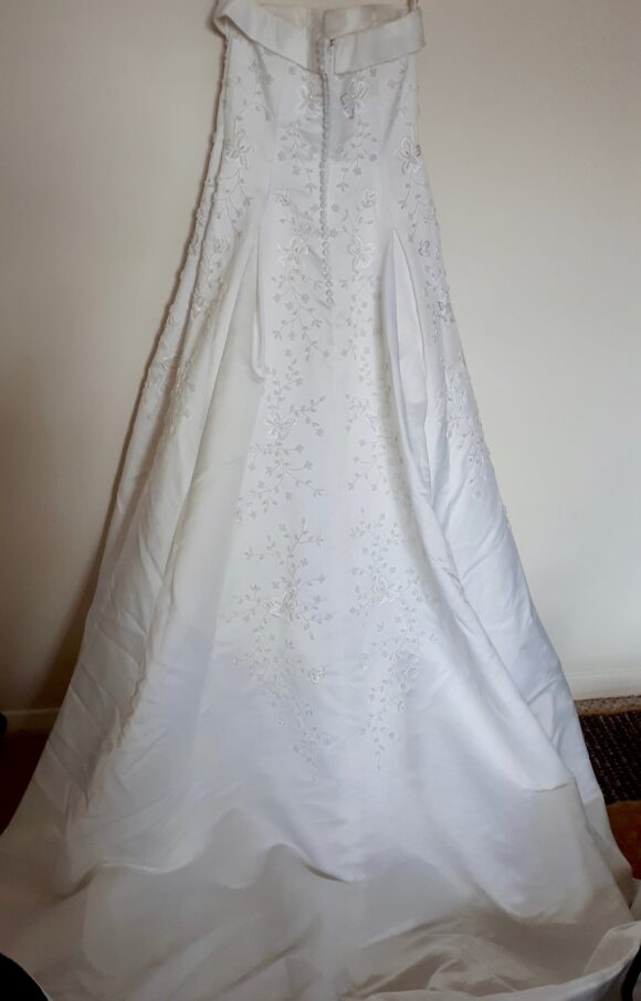 Alfred Angelo   Wedding Dress   Aline   C2202