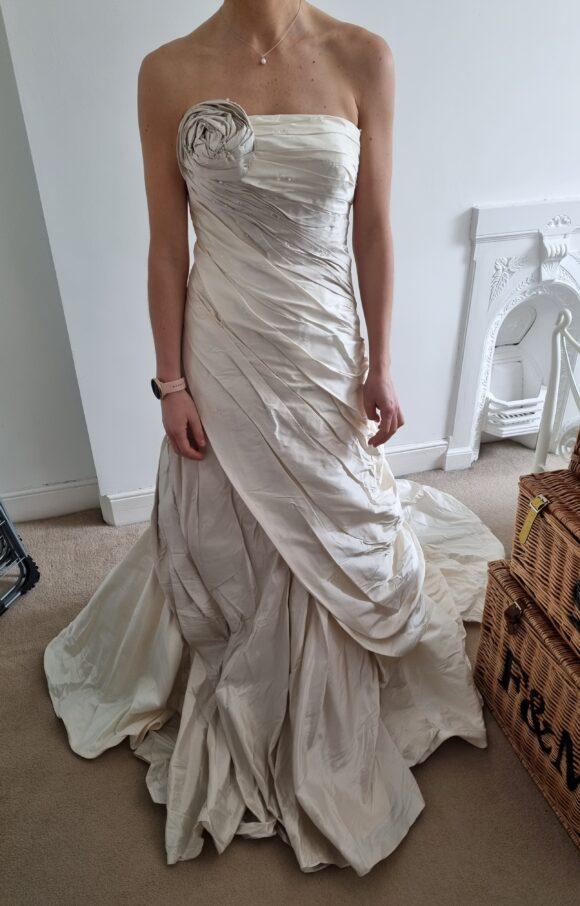 Ian Stuart | Wedding Dress | Fit to Flare | C2148