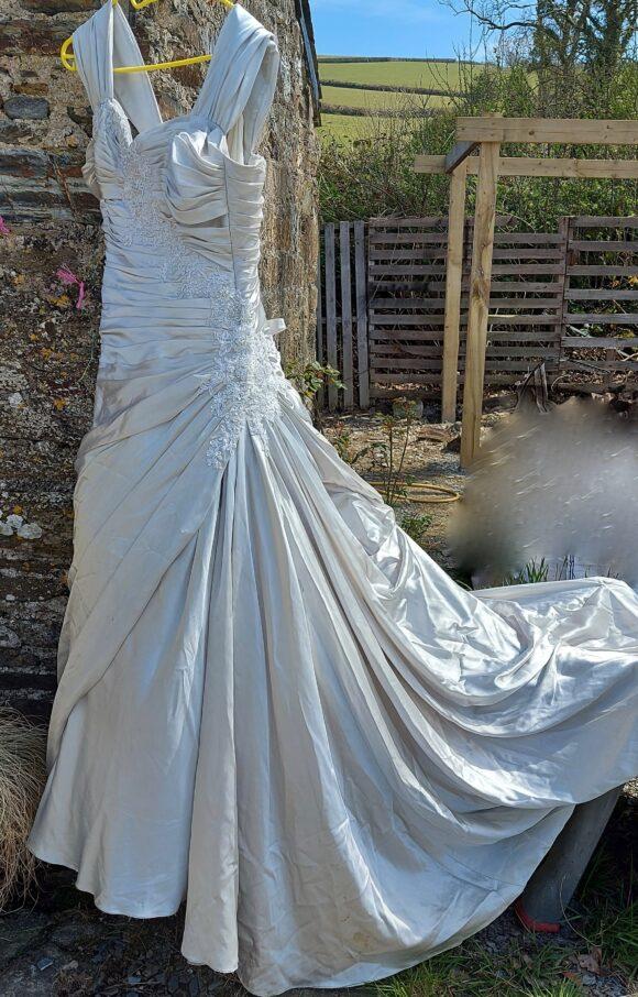 Maggie Sottero   Wedding Dress   Drop Waist   C2157