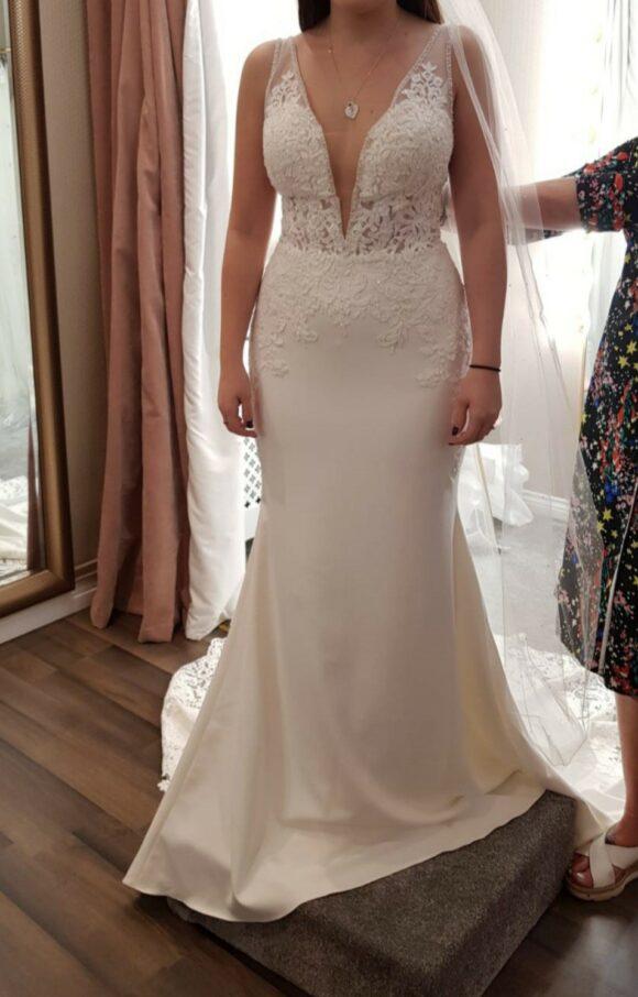 Essense of Australia   Wedding Dress   Sheath   C2267
