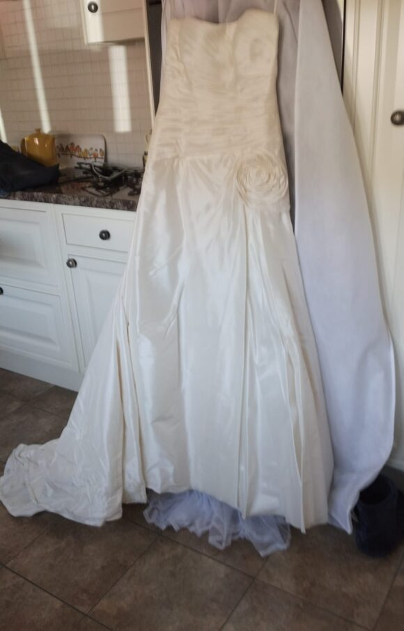 Suzanne Neville | Wedding Dress | Aline | C2126