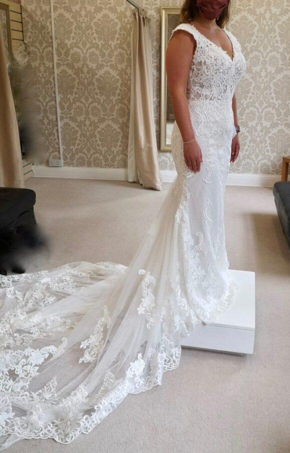 Maggie Sottero | Wedding Dress | Sheath | C2204