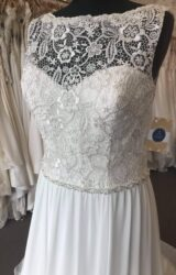 La Papillon | Wedding Dress | Empire | B270M
