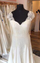 Augusta Jones | Wedding Dress | Aline | T207F
