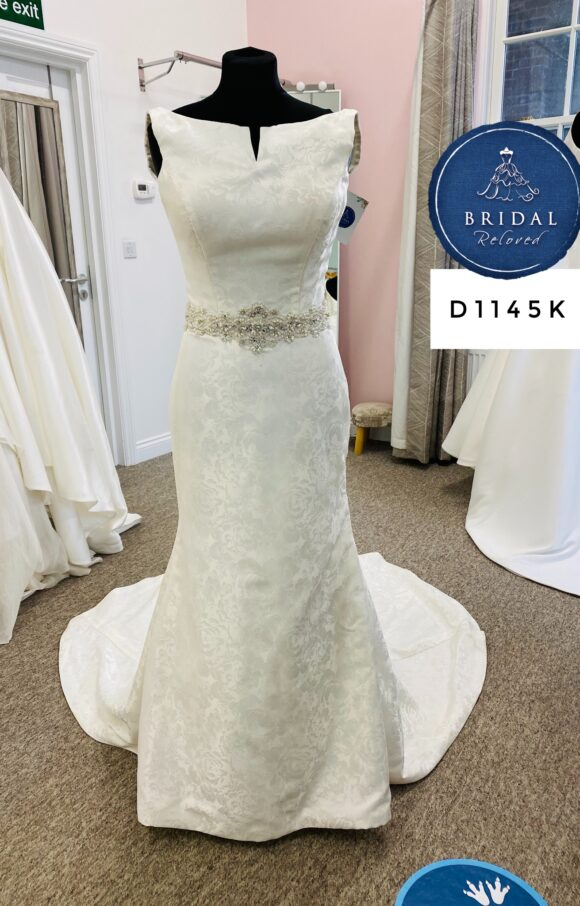 Phil Collins   Wedding Dress   Fit to Flare   D1145K
