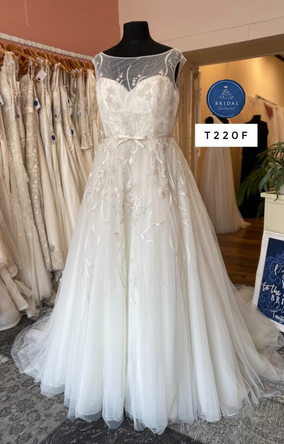 Ellis Bridal | Wedding Dress | Aline | T220F