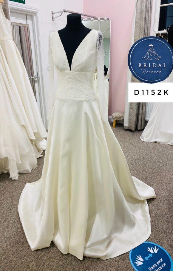 David Fielden   Wedding Dress   Aline   D1152K