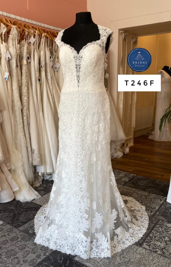 Watters   Wedding Dress   Fit to Flare   T246F
