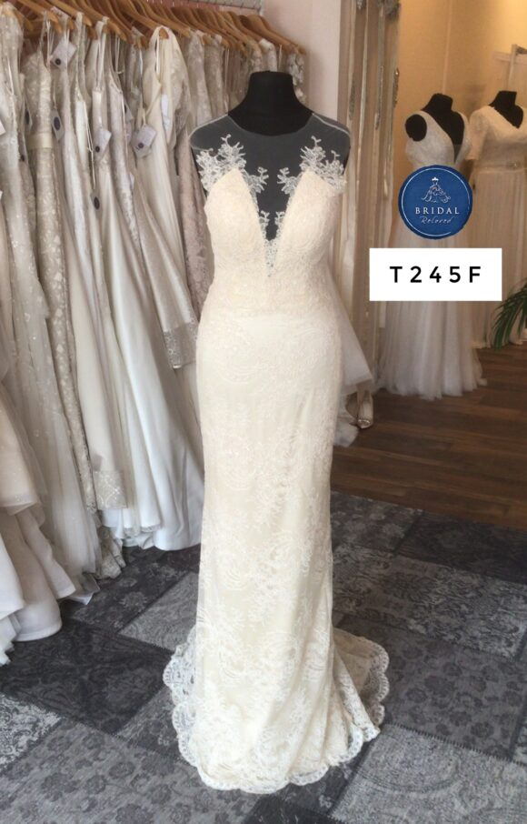 Catherine Deane   Wedding Dress   Fit to Flare   T245F