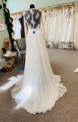 Suzanne Neville | Wedding Dress | Aline | D1172K