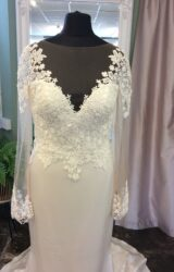 Paloma Blanca   Wedding Dress   Fit to Flare   ST581S