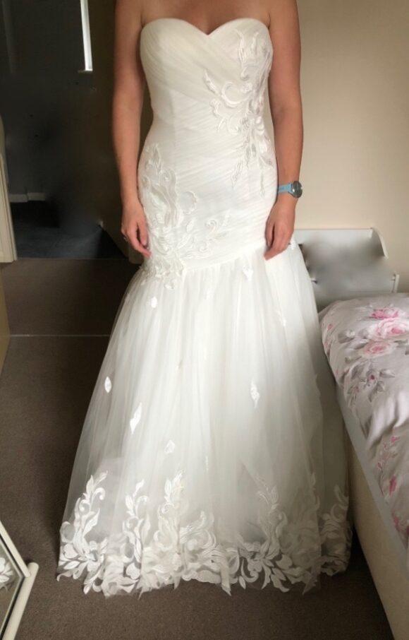 Donna Lee   Wedding Dress   Fit o Flare   C2191