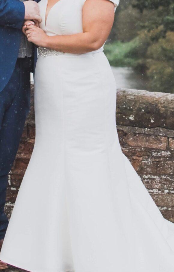 Essense of Australia | Wedding Dress | Fishtail | C2168