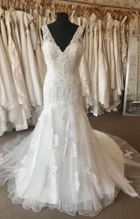Diane Harbridge   Wedding Dress   Fit to Flare   C2189