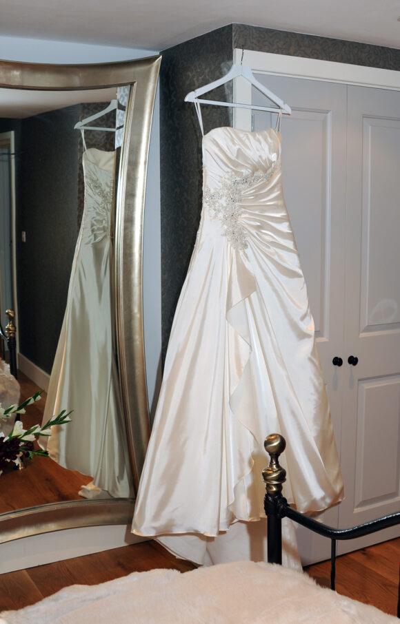 Amanda Wyatt   Wedding Dress   Aline   C2208