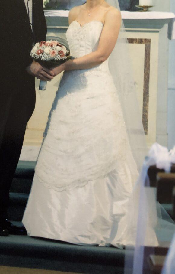 Ian Stuart   Wedding Dress   Aline   C2225